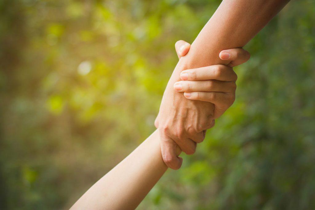 Krebsbetroffene_Gespraechskreis-Selbsthilfe-Haende